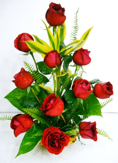 Send Rose Basket to Bangladesh, Bangladesh Newspaper, Bangladeshi gift, send gifts to bangladesh, send gift to bangladesh