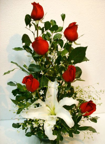 Send Rose & Lily to Bangladesh, Bangladesh Newspaper, Bangladeshi gift, send gifts to bangladesh, send gift to bangladesh