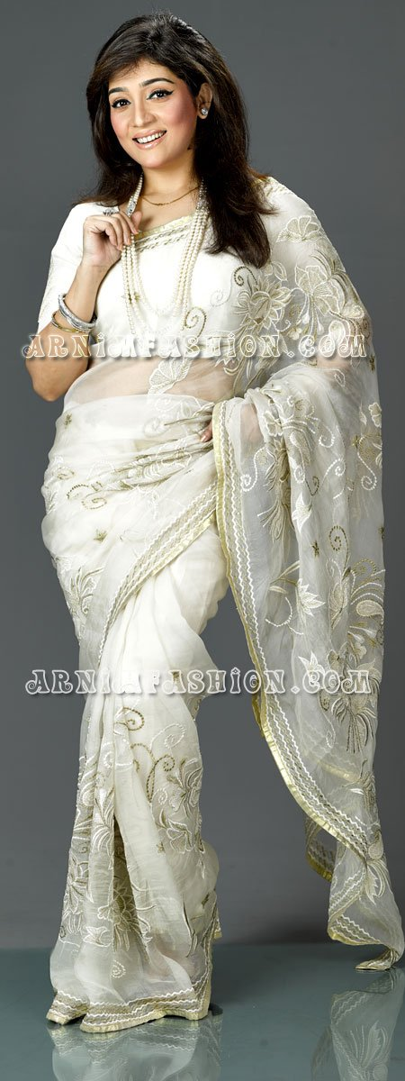 Send White Moslin Saree to Bangladesh, Bangladesh Newspaper, Bangladeshi gift, send gifts to bangladesh, send gift to bangladesh