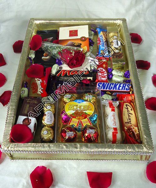 Send Exclusive Valentines Chocolate Basket to Bangladesh, Bangladesh Newspaper, Bangladeshi gift, send gifts to bangladesh, send gift to bangladesh